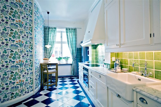 kitchen-design-patterned-walls