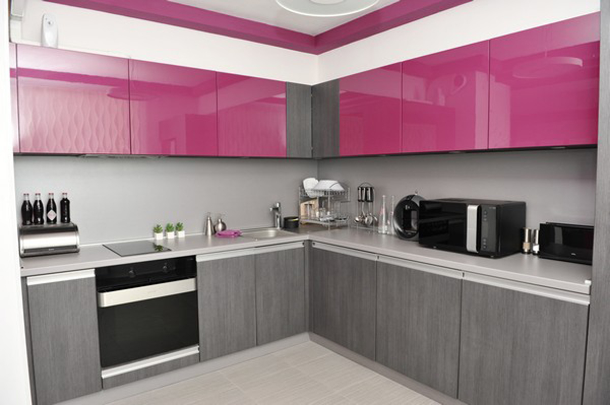 A splash of color 13 colorful kitchen design ideas for Black white and gray kitchen design