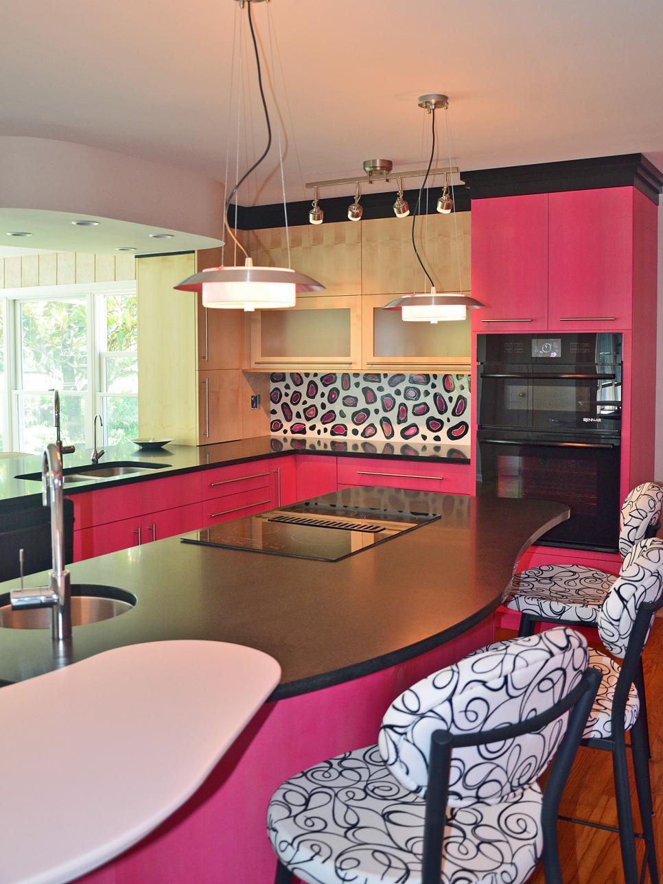 kitchen-design-pink-leopard-print