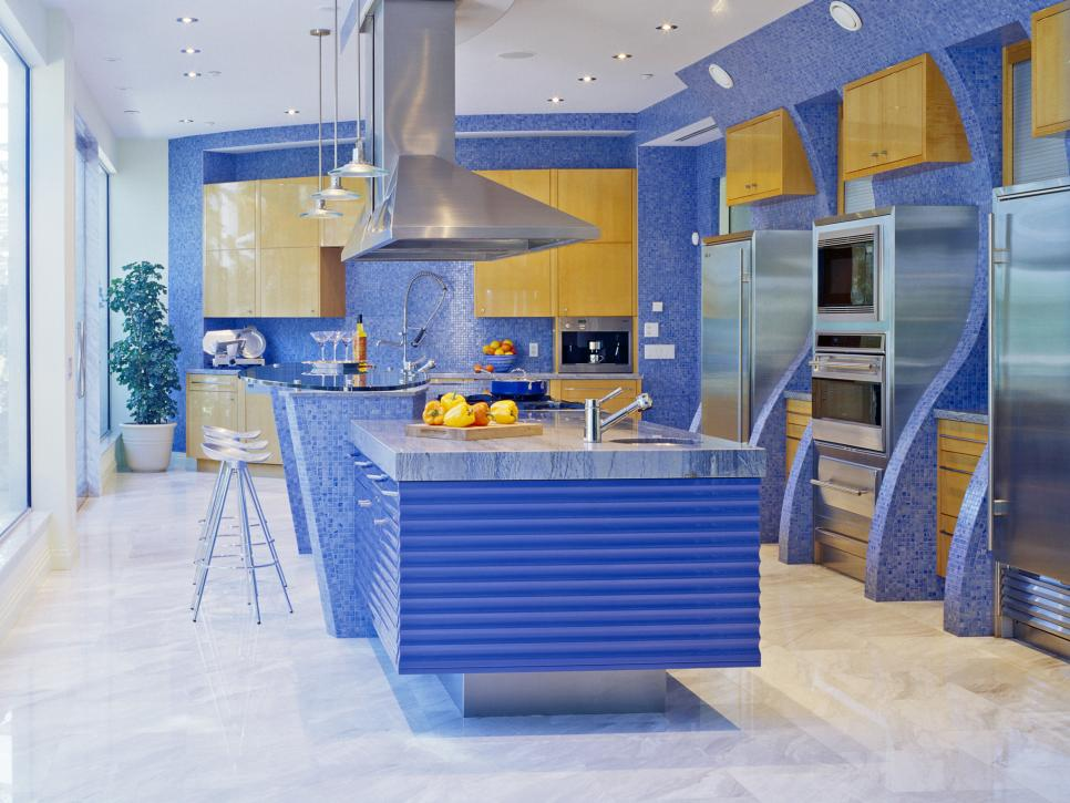 A splash of color 13 colorful kitchen design ideas for Kitchen designs blue